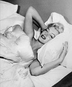 Мэрилин Монро покоряла сердца мужчин по причине того, что обладала быстрым умением соблазнять своей внешностью