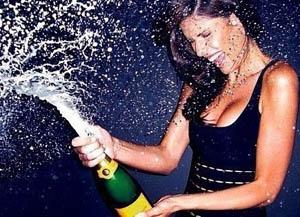 девушка с шампанским знает как бороться с мужскими недомоганиями и помочь скорострелам