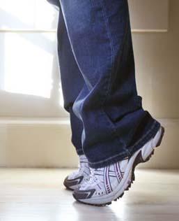 для лечения эректильной дисфункции помогает старая техника стойки на цыпочках в туалете