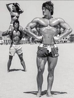 мужик в возрасте должен выполнять физические упражнения хотя бы в домашних условиях, иначе может появиться эректильная дисфункция или иные патологии, тяжело поддающиеся лечению
