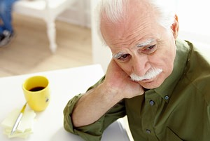 наступление мужского климакса в раннем возрасте может сильно расстроить сильный пол из-за своих симптомов, а также подорвать его эмоциональное состояние