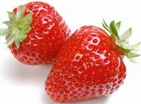 Клубника - очень вкусный афродизиак, и этот продукт удобен также тем, что из него можно приготовить много десертов и экзотических блюд
