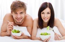 Мужчина должен стараться употреблять продукты, поднимающие влечение, как можно чаще