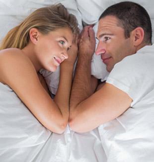 молодая супружеская пара желает бороться с недугом, встречающимся у скорострелов, и наладить жизнь в спальне