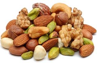орехи разных видов всегда считались продуктами, повышающими потенцию и укрепляющими здоровье мужчины