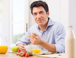 используйте в своем рационе больше здоровой пищи и полезных продуктов, способствующих продлению полового акта и повышению мужской силы