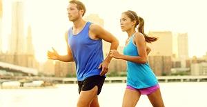 мужчина может делать стабильно легкие пробежки с утра, ведь результатом такой хорошей привычки будет повышение выносливости и потенции