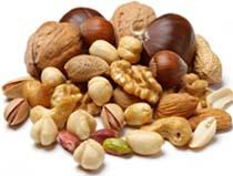 Мужчина может сделать из орехов вкусное варенье, приготовить тортик, или он может использовать этот афродизиак как дополнительный ингредиент для блюд