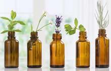 Ароматические масла хорошо растворимы в спирте, а тяжелее всего растворение таких продуктов происходит в воде