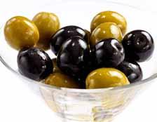 Существенной разницы между значениями слов «оливки» и «маслины» нет, потому что это название одного и того же продукта, имеющего положительные свойства для мужчин